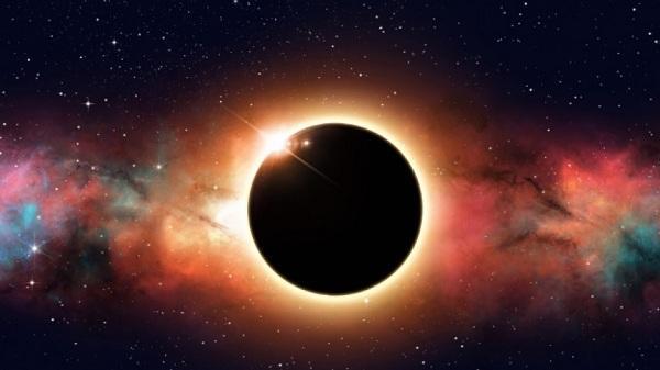 """Резултат с изображение за """"Пълно слънчево затъмнение над Европа"""""""