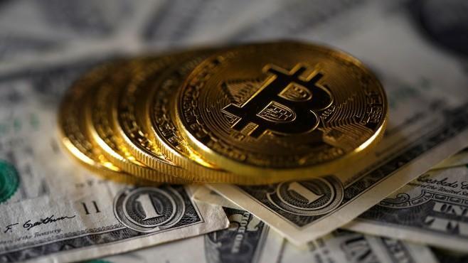 Плащат с биткойни от дългове до кебапчета - Анализи - Стандарт Нюз