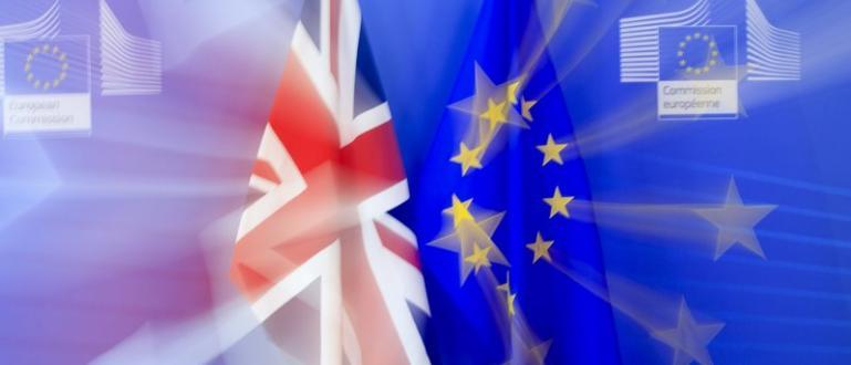 Рейтинговата агенция Moody`s понижи перспективата на кредитния рейтинг на Великобритания