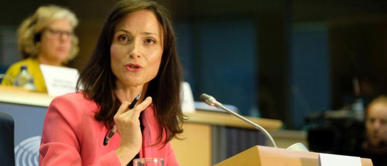 Българката Мария Габриел получава единодушното одобрение на комисиите на Европейския