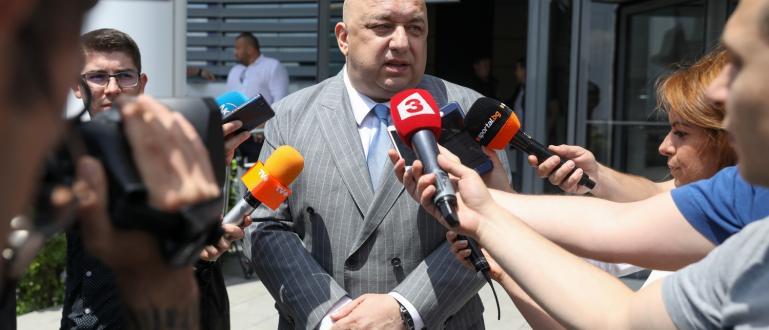 Министърът на младежта и спорта Красен Кралев коментира пред медии