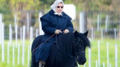 Кралица Елизабет Втора е пример за това, че възрастта е