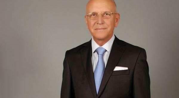 На 74-годишна възраст днес почина професор Петър Бонов, съобщиха от
