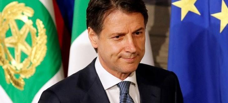 Досегашният италиански премиер Джузепе Конте бе натоварен официално днес да