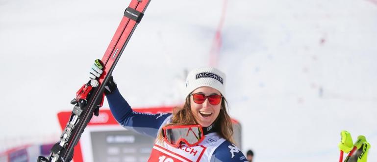 Олимпийската шампионка от ПьонгЧанг 2018 в спускането София Годжа спечели