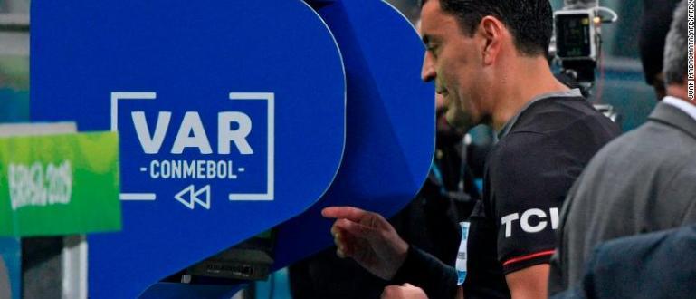 Световната футболна централа ФИФА разреши на всички турнири, в които