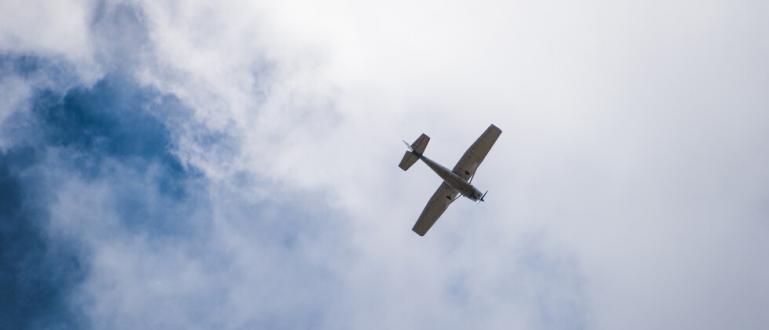 Четирима души загинаха при катастрофа на двумоторен самолет Пайпър ПA-30
