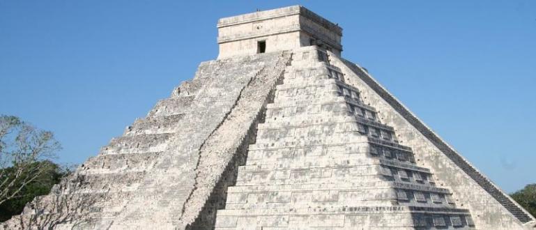 Снимка: Пирамидата Кукулкан в Чичен ИцаИзследователи от Националния институт по