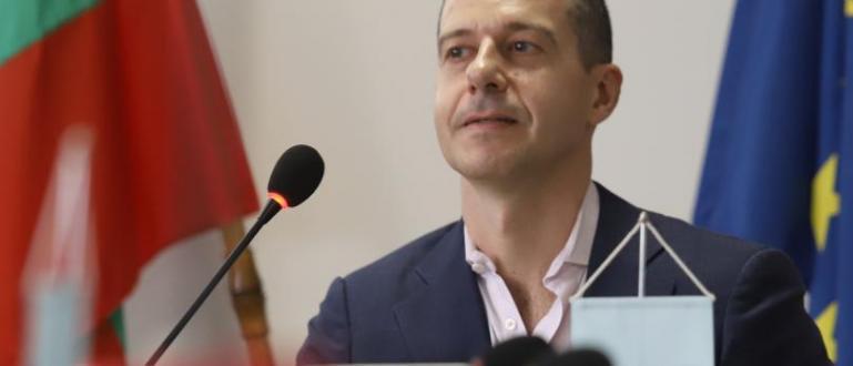 Генералният директор на Българското национално радио е внесъл тази сутрин