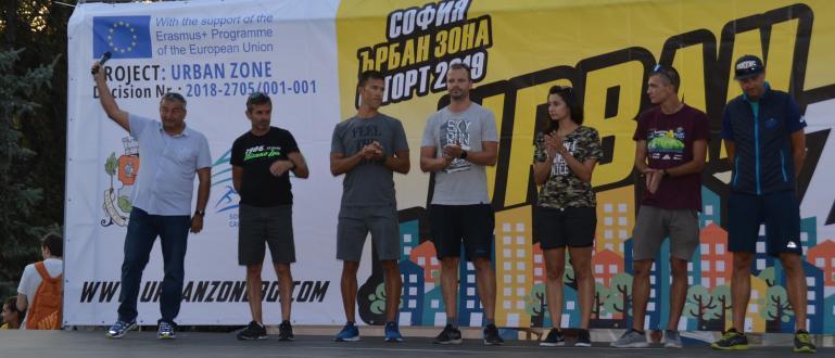 Със спиращи дъха хип-хоп изпълнения на румънския отбор започна първото