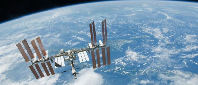 Правителството на Русия планира страната да построи нова космическа станция,