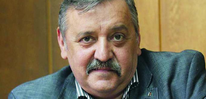 Проф. Тодор Кантарджиев, който бе пенсиониран като директор на Националния