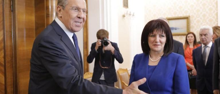 """Изтребителите Су-25 ще бъдат ремонтирани в България в завода """"Авионамс"""""""