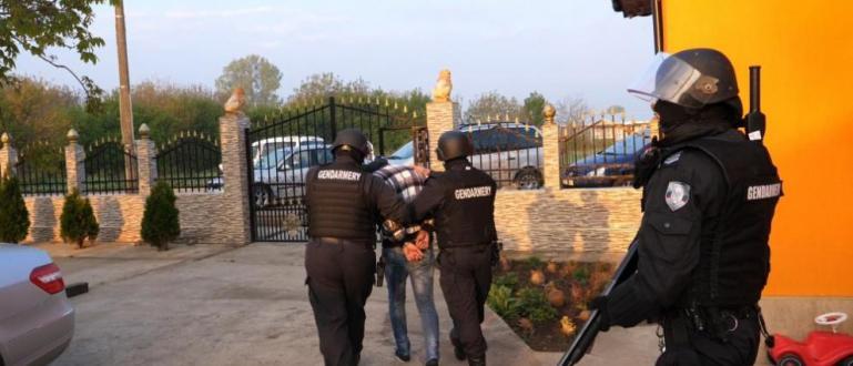 Снимка: Показаха спецакцията срещу групата за трафик на хора