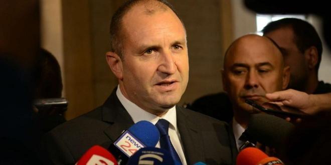 Президентът Румен Радев върна за ново обсъждане отделни текстове от