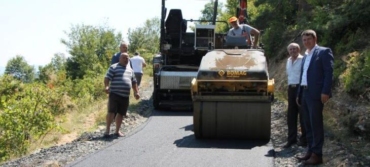 Продължава ремонтът и пълното обновяване на общинските пътища в Ардинско.