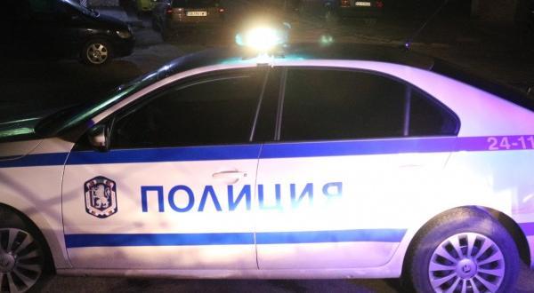 11 мъже са задържани след скандал, съобщиха днес от Областна
