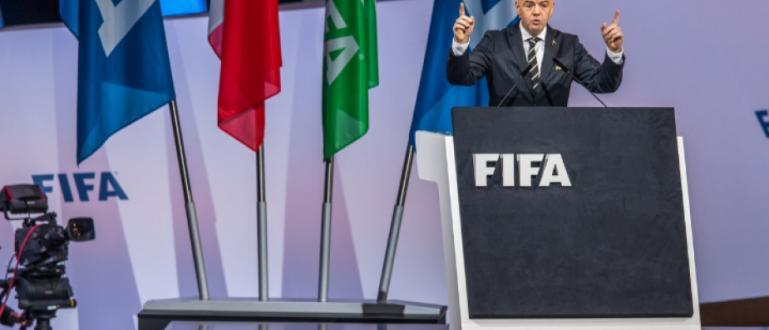 Световната футболна централа (ФИФА) одобри доста промени, свързани с трансферните