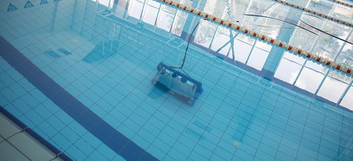 Pобот от ново поколение ще почиства дъното на общинския плувен