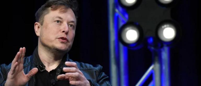 Топ предприемачът Илон Мъск, който ръководи компаниите Tesla и SpaceX,