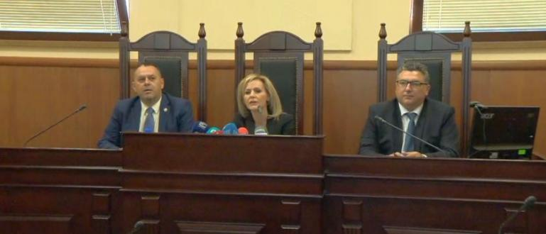 Днес прокуратурата ще поиска постоянен арест за двамата висши антимафиоти