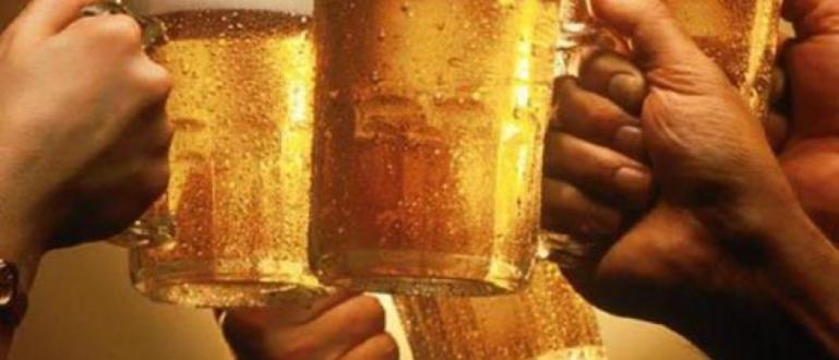 Днес е международният ден на бирата. От 2007 г. той