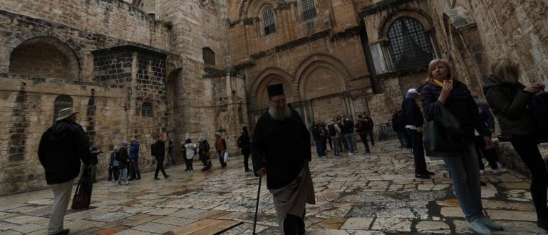Епидемията от коронавирус не пожали и Божи гроб в Йерусалим.