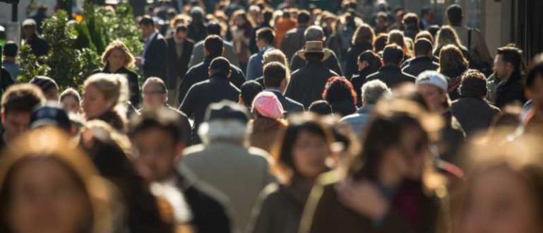 Населението на България официално падна под 7 милиона души. Страшните