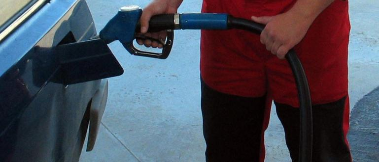 Снимка: Цената на бензина скача още преди Великден