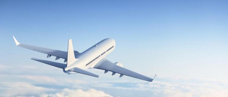 Движението на въздушния и железопътния транспорт във Франция ще бъде