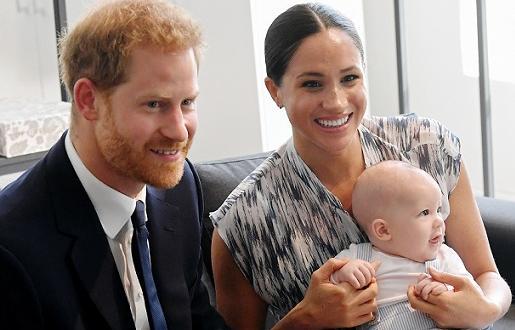 Принц Хари за първи път се качи на двуетажен туристически