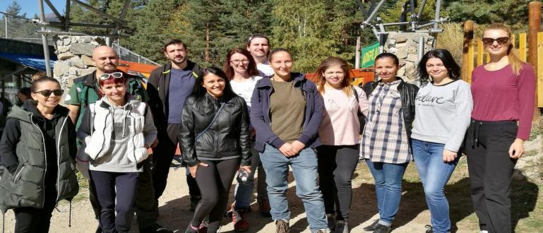 Традицията екипът на Кемпински Хотел Гранд Арена Банско да посещава