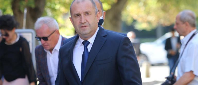 Заповядано е свалянето на карантината от президента Румен Радев. Това