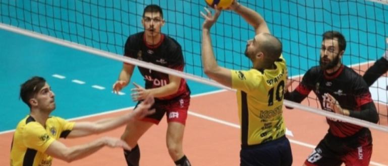 Волейболистите на Хебър (Пазарджик) защитиха трофея си от турнира за