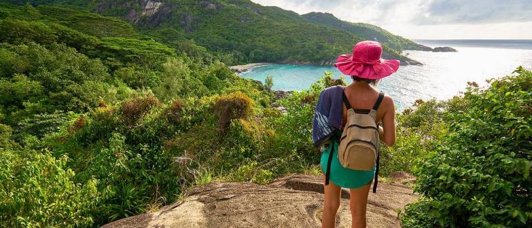 Чуждестранните граждани под 18 години, които идват на Сейшелските острови,