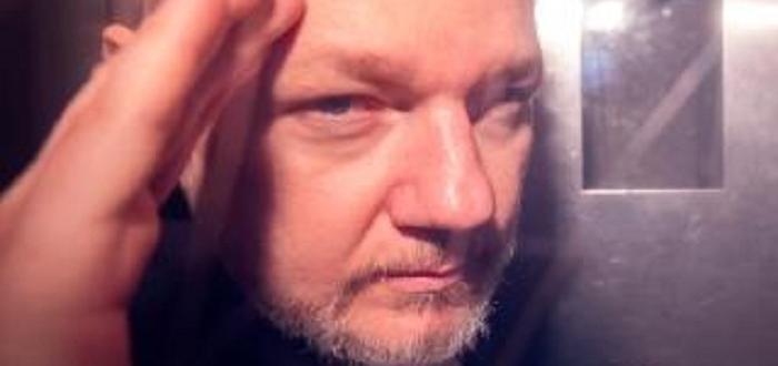 Бащата на основателя на Уикилийкс Джулиан Асанджразказа, че преди два