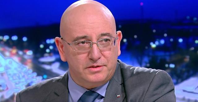 Министърът на околната среда и водите Емил Димитров врътна кранчето