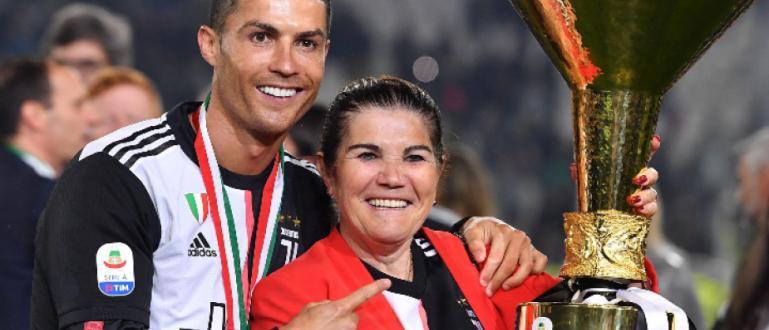 Звездата на футболния шампион в Италия ЮвентусКристиано Роналдое направил поредното