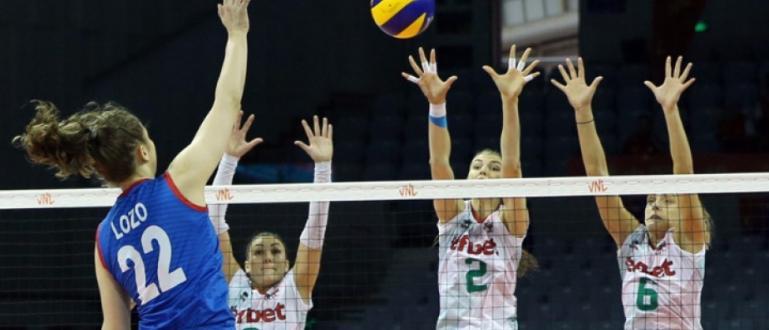 Снимка: Волейболистките биха Световните шампионки