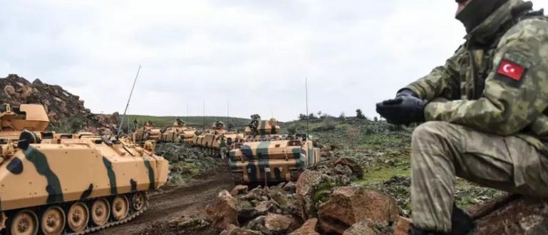 Турската армия и нейните съюзници от Сирийската национална армия са