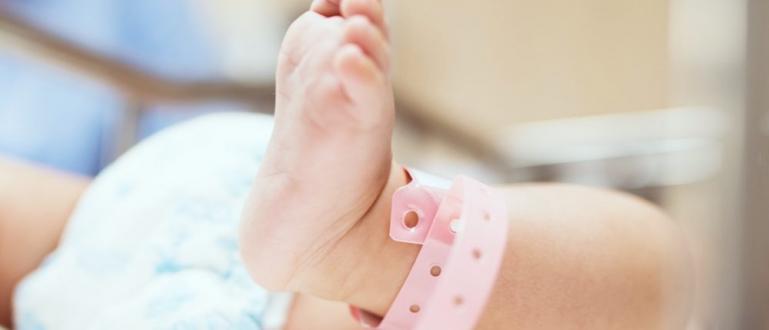 Неонатолозите от Майчин дом изписаха родило се на 1 януари