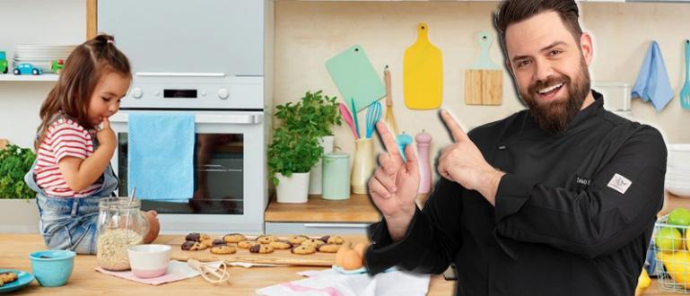 Шеф Таньо Шишков демонстрира лесни и вкусни за приготвяне сладоледени