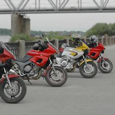 """Любители на мотоциклетите """"Ямаха ТДМ"""" от цяла Европа се събират"""