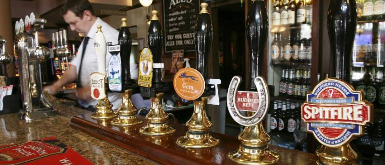 Пъбовете и ресторантите в голяма част от Великобритания от днес