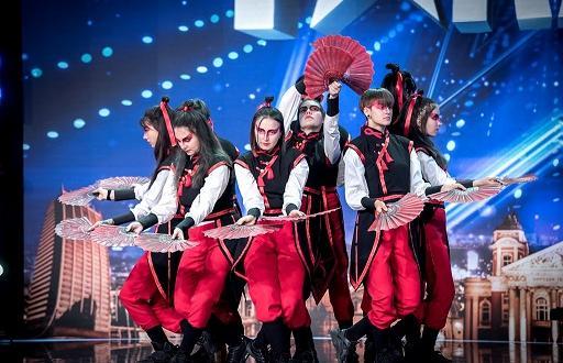 Циркови артисти, танцьори и незрящи театрали отиват на полуфиналите на
