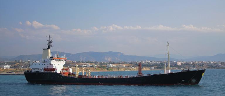 Танкер с нефтопродукти пристигна от Венеция на нефтеното пристанище край