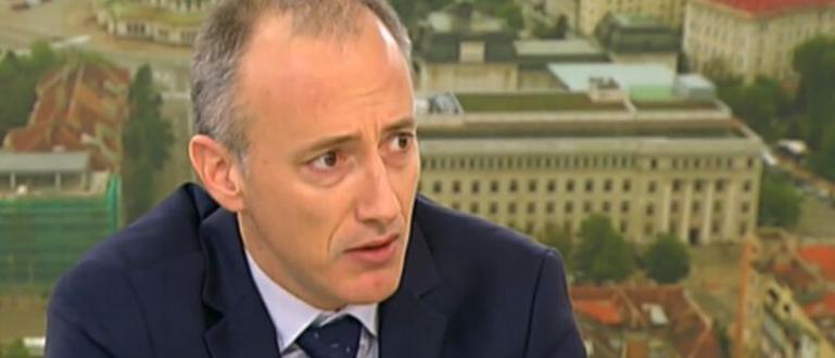Приятно изненадан останал образователният министър Красимир Вълчев от старта на