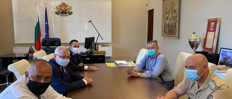 Държавата поема тестовете за коронавирус при влизане на пациент в