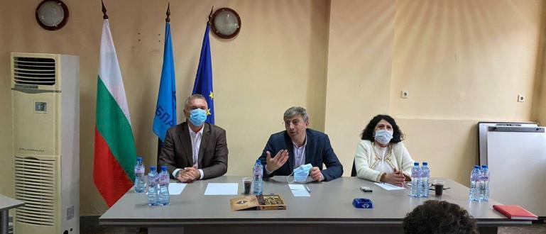 Председателят на ДПС Мустафа Карадайъ проведе работна среща с оперативното