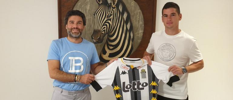 Иван Горанов вече е футболист на белгийския Шарлероа. От клуба